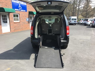 2008 Chrysler Town & Country Limited Handicap Accessible Wheelchair Van Dallas, Georgia 4