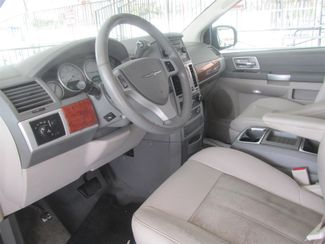 2008 Chrysler Town & Country Touring Gardena, California 4