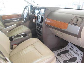 2008 Chrysler Town & Country Limited Gardena, California 7
