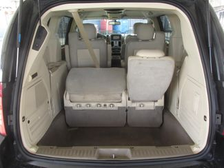 2008 Chrysler Town & Country Limited Gardena, California 10