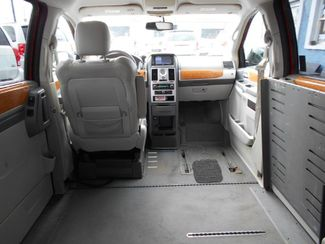 2008 Chrysler Town & Country Limited Wheelchair Van Handicap Ramp Van Pinellas Park, Florida 7