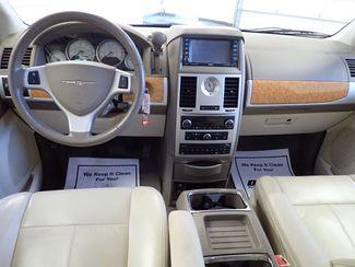 2008 Chrysler Town & Country Limited Lincoln, Nebraska 5