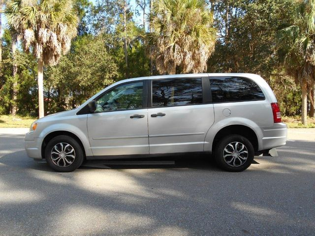 2008 Chrysler Town & Country Lx Wheelchair Van Pinellas Park, Florida 1