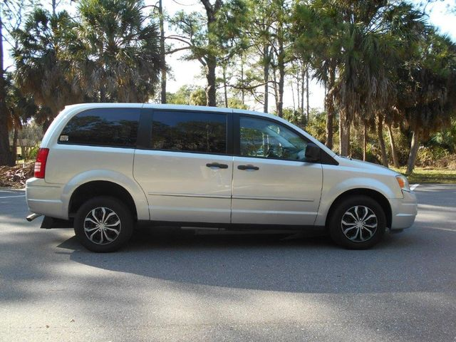 2008 Chrysler Town & Country Lx Wheelchair Van Pinellas Park, Florida 2