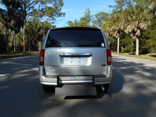 2008 Chrysler Town & Country Lx Wheelchair Van Pinellas Park, Florida 4