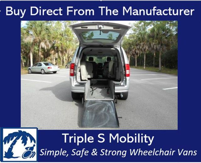 2008 Chrysler Town & Country Lx Wheelchair Van Pinellas Park, Florida