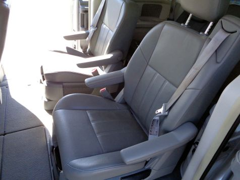 2008 Chrysler Town & Country Touring   Nashville, Tennessee   Auto Mart Used Cars Inc. in Nashville, Tennessee