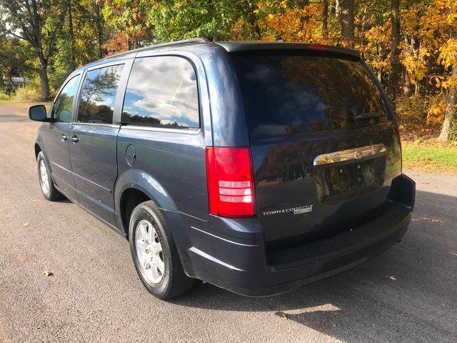 2008 Chrysler Town & Country Touring Ravenna, Ohio 2