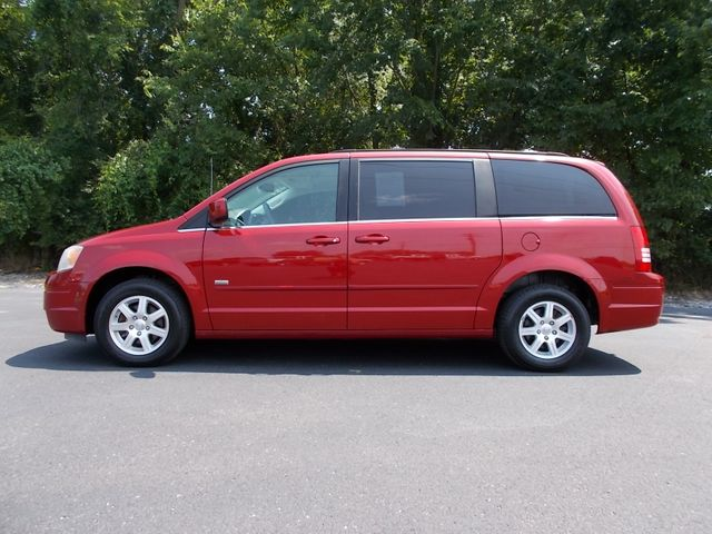 2008 Chrysler Town & Country Touring Shelbyville, TN 1