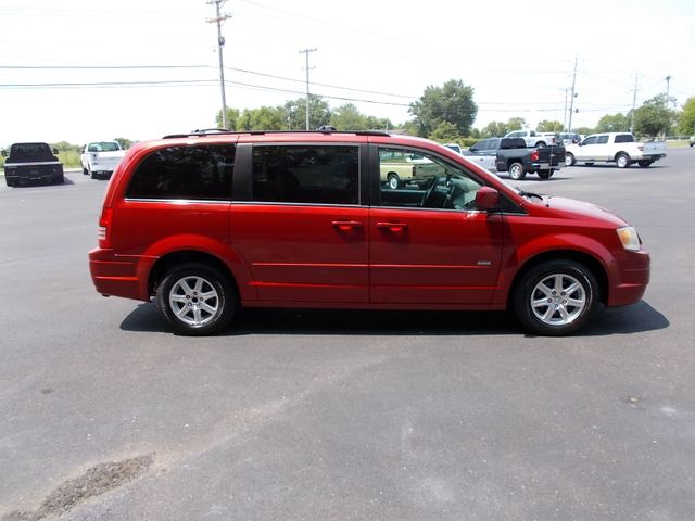 2008 Chrysler Town & Country Touring Shelbyville, TN 10