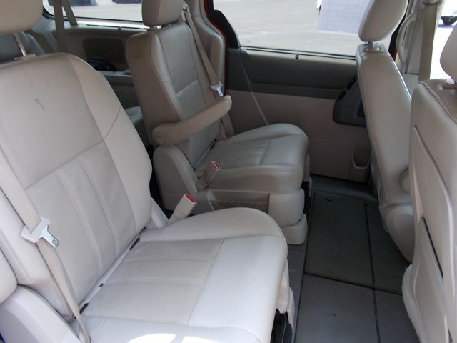 2008 Chrysler Town & Country Touring Shelbyville, TN 21