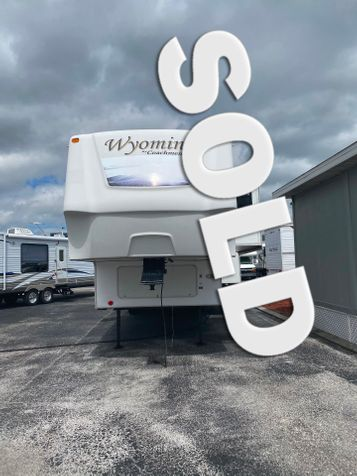 2008 Coachmen Wyoming 338RLQS  in Clearwater, Florida