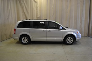 2008 Chrysler Town & Country Touring in Roscoe IL, 61073