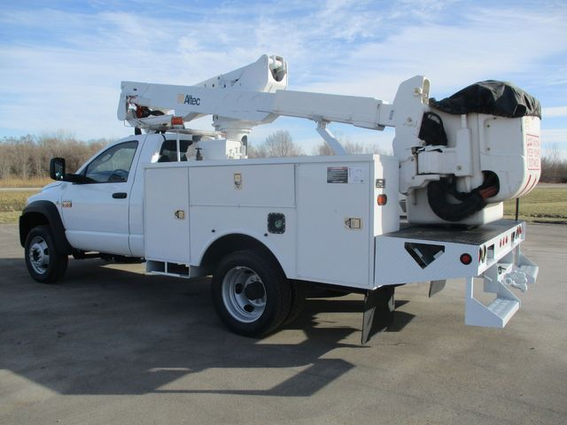 2008 Dodge Ram 5500 ALTEC BUCKET TRUCK Lake In The Hills, IL 4