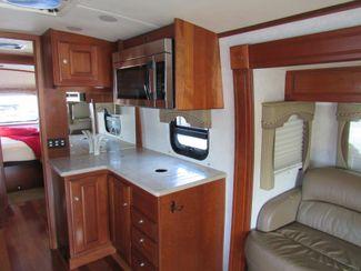 2008 Dynamax Dynaquest 34XL Bend, Oregon 7