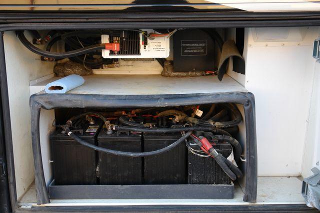 2008 Fleetwood Revolution LE 42N in Phoenix Az., AZ 85027