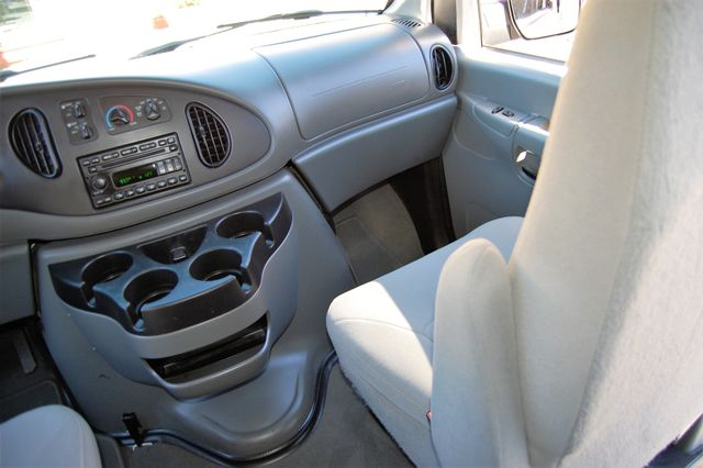 2008 Ford 12 Pass. XLT Charlotte, North Carolina 15
