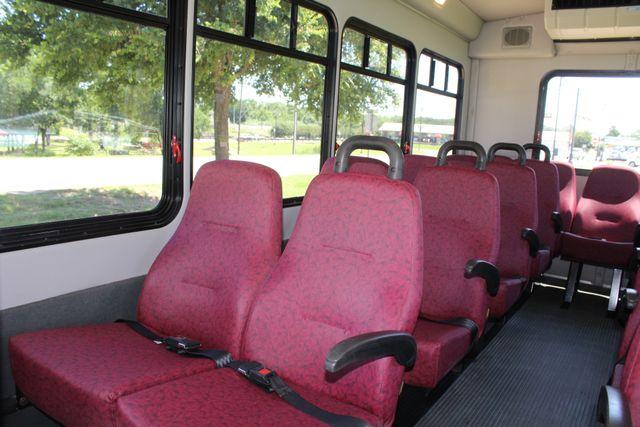 2008 Ford E450 22 Passenger Starcraft  Shuttle Bus Irving, Texas 11