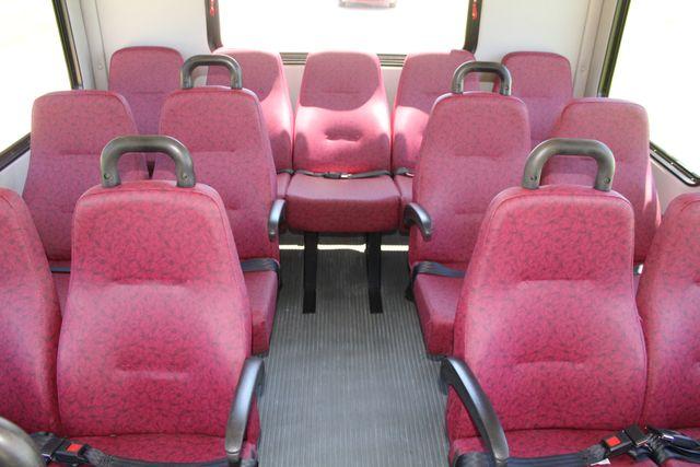 2008 Ford E450 22 Passenger Starcraft  Shuttle Bus Irving, Texas 13