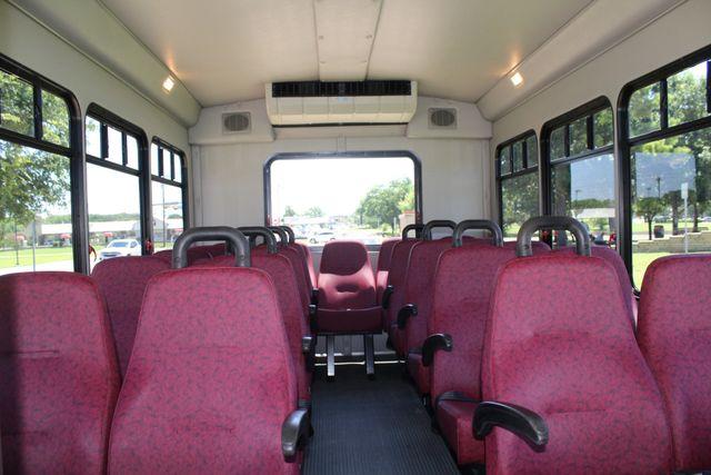 2008 Ford E450 22 Passenger Starcraft  Shuttle Bus Irving, Texas 14