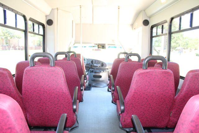 2008 Ford E450 22 Passenger Starcraft  Shuttle Bus Irving, Texas 17