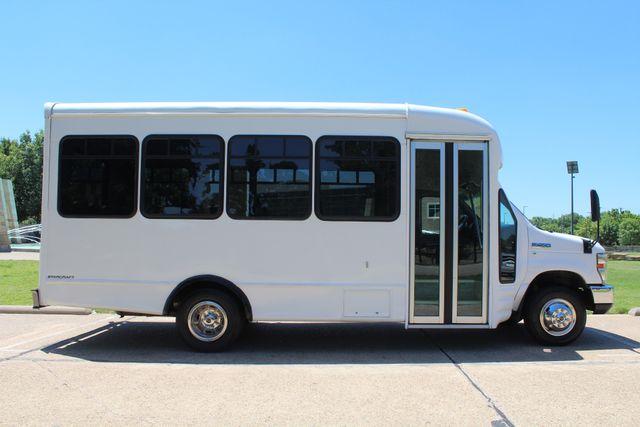 2008 Ford E450 22 Passenger Starcraft  Shuttle Bus Irving, Texas 7