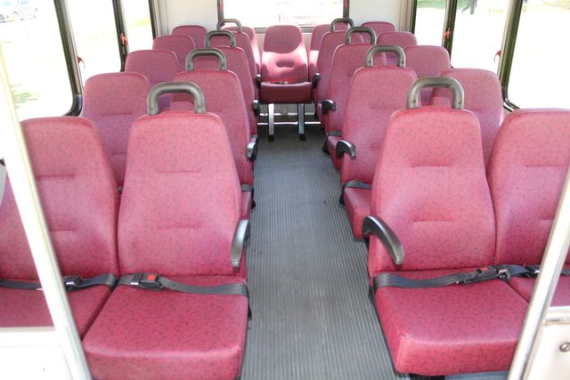 2008 Ford E450 22 Passenger Starcraft Shuttle Bus Irving, Texas 10