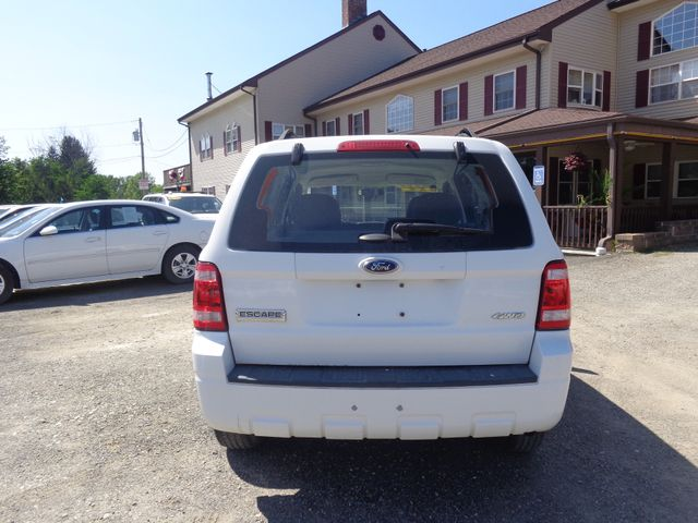 2008 Ford Escape XLS Hoosick Falls, New York 3