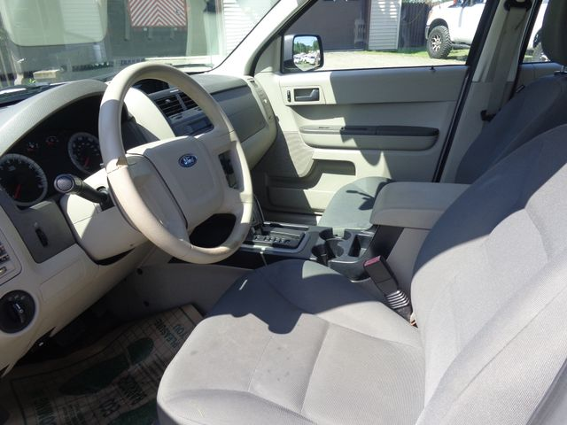 2008 Ford Escape XLS Hoosick Falls, New York 5