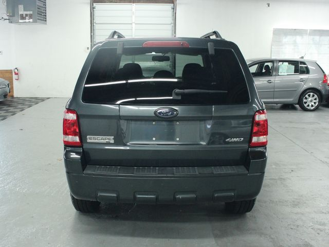 2008 Ford Escape XLT 4WD Kensington, Maryland 3
