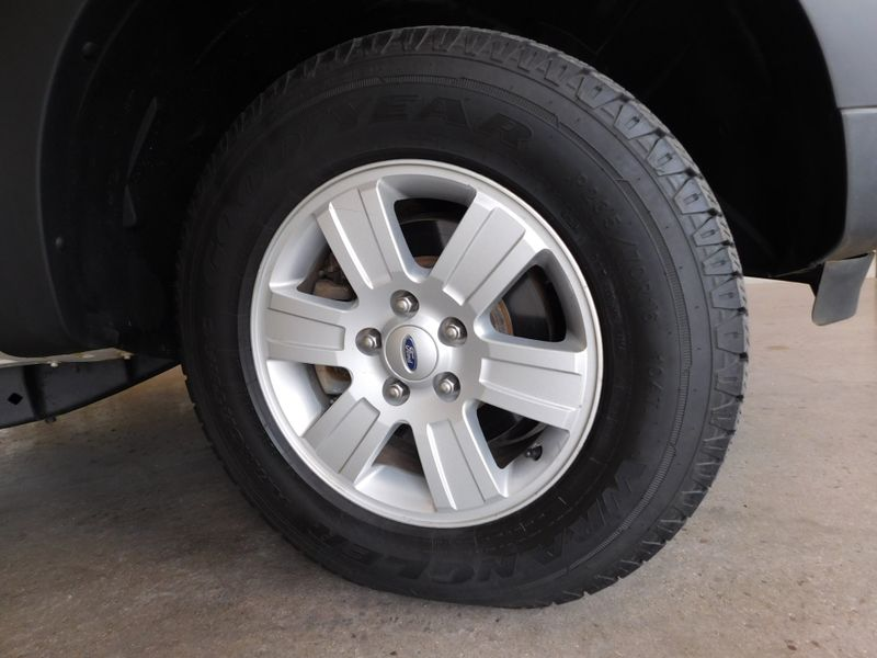 2008 Ford Explorer Sport Trac XLT  city TN  Doug Justus Auto Center Inc  in Airport Motor Mile ( Metro Knoxville ), TN