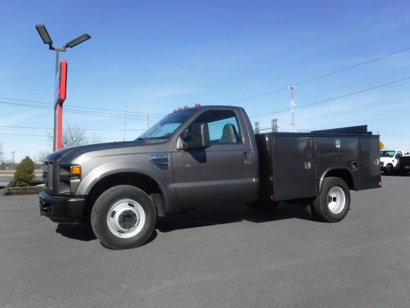 2008 Ford F350 9' Utility 2wd with Lift Gate in Ephrata PA