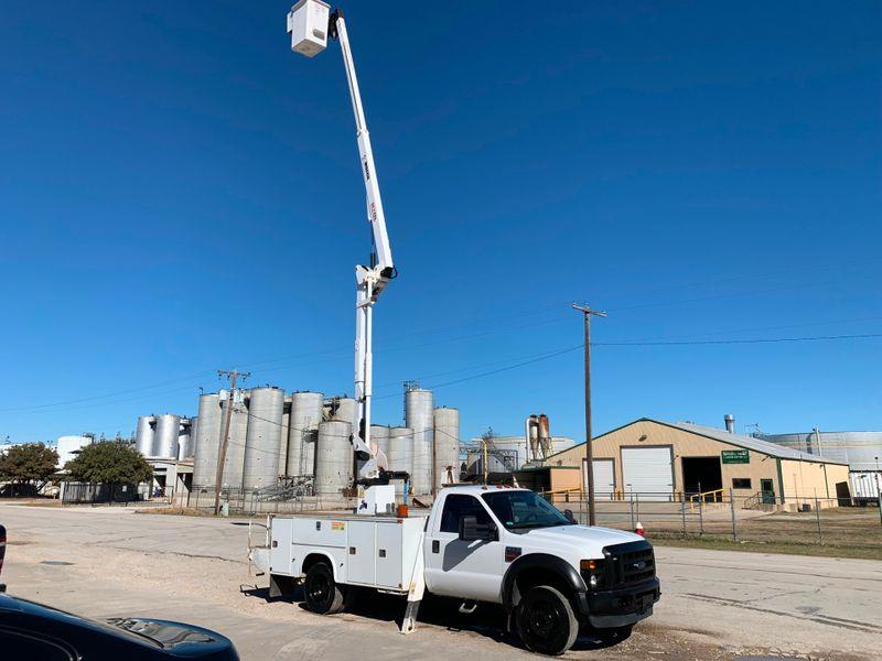 2008 Ford F550 BUCKET TRUCK XL  city TX  North Texas Equipment  in Fort Worth, TX