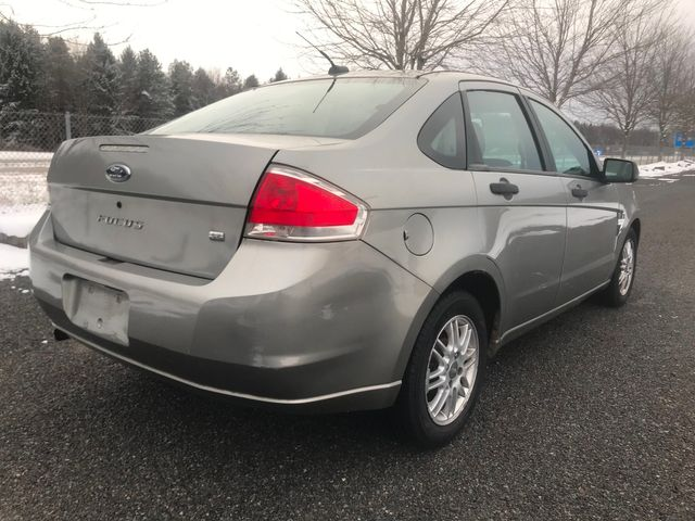 2008 Ford Focus SE Ravenna, Ohio 3