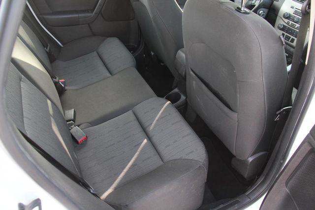 2008 Ford Focus SE Santa Clarita, CA 16
