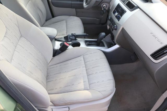 2008 Ford Focus SE Santa Clarita, CA 14