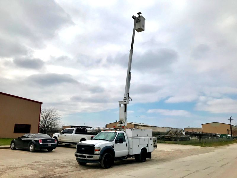 2008 Ford FORD F450 BUCKET TRUCK    city TX  North Texas Equipment  in Fort Worth, TX