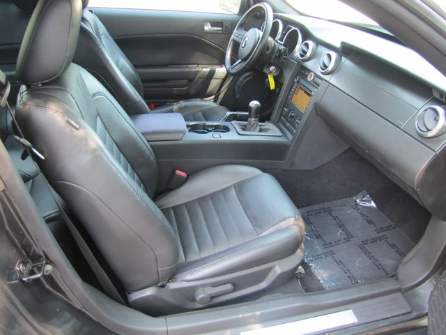2008 Ford Mustang Shelby GT500 NAVIGATION 500 HORSEPOWER X-CLEAN CAR St. Louis, Missouri 25