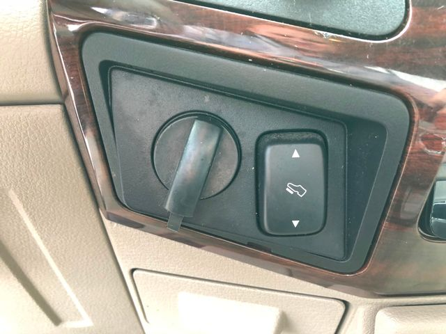 2008 Ford Super Duty F-350 Lariat 4X4 in Gower Missouri, 64454