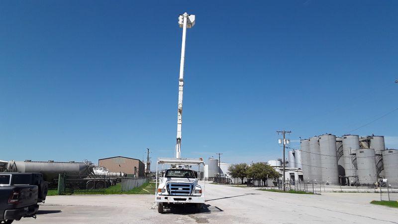 2008 Ford Super Duty F-750 Straight Frame XL F75O BUCKET TRUCK  city TX  North Texas Equipment  in Fort Worth, TX