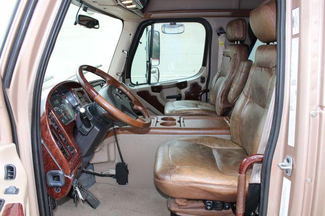 2008 Freightliner M2 106 SPORTCHASSIS RHA Luxury Diesel Ranch Hauler CONROE, TX 31