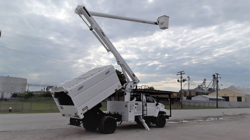 2008 GMC C7500 FORESTRY BUCKET LOW MILES 60FT ALTEC BOOM SYSTEM  city TX  North Texas Equipment  in Fort Worth, TX