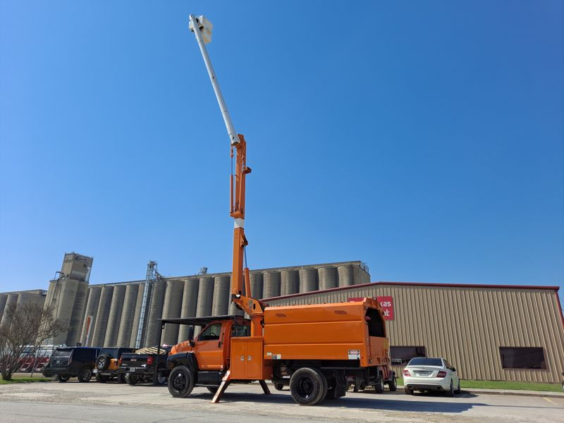 2008 GMC C7500 FORESTRY 60 ALTEC BUCKET TRUCK  city TX  North Texas Equipment  in Fort Worth, TX