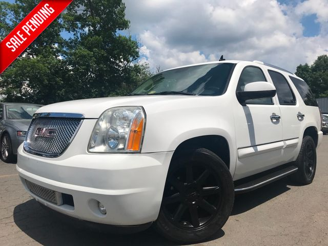 2008 GMC Yukon Denali in Leesburg Virginia, 20175