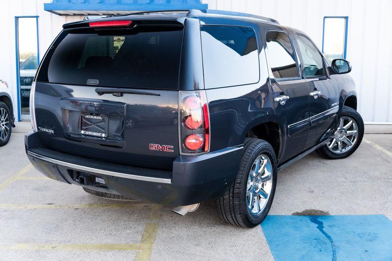 2008 GMC Yukon DENALI 4X4 NAV 2ND ROW BUCKETS 3RD ROW SEATS NICE  in Rowlett, Texas