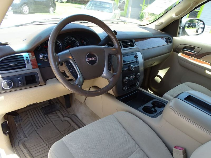 2008 GMC Yukon XL SLE w3SB  in Austin, TX