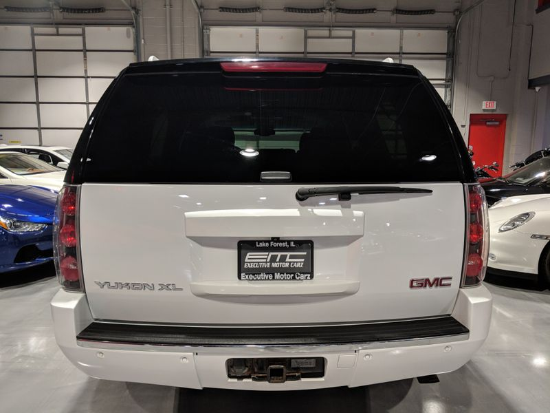2008 GMC Yukon XL Denali   Lake Forest IL  Executive Motor Carz  in Lake Forest, IL