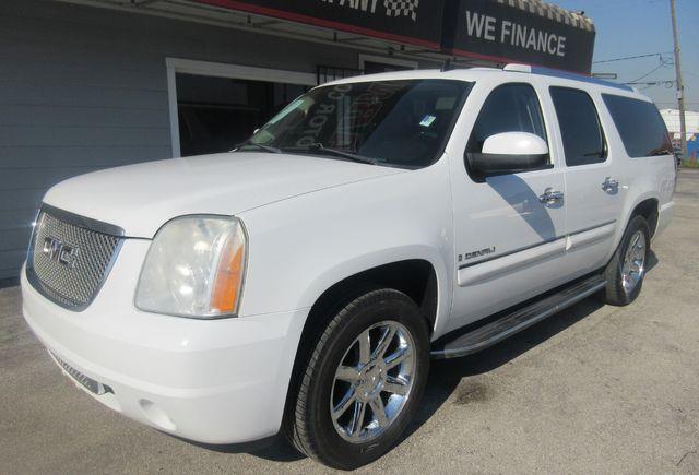 2008 GMC Yukon XL Denali south houston, TX 1