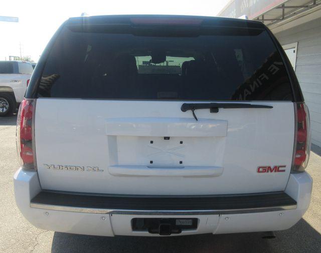 2008 GMC Yukon XL Denali south houston, TX 3