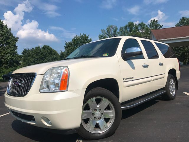 2008 GMC Yukon XL SLT w/4SB in Leesburg Virginia, 20175